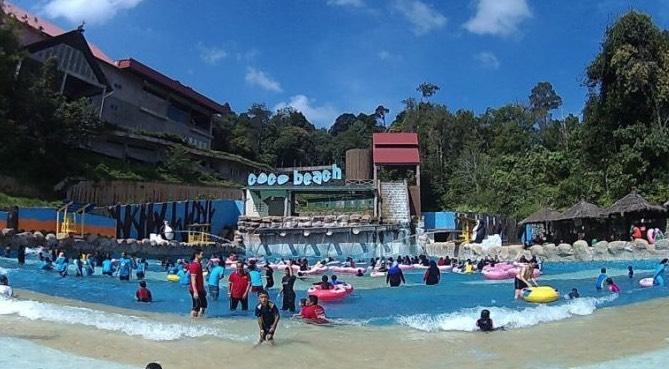 Gambang Waterpark Jijik! Bertahi!
