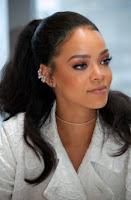 تألقي مثل الالماس مع روتين ريهانا Rihanna الليلي للبشرة