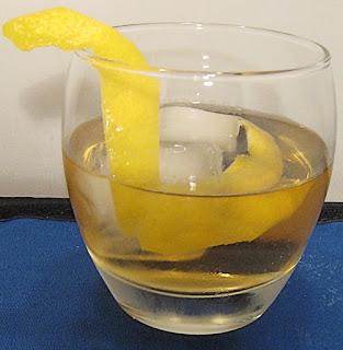 horses neck brandy ginger ale lemon