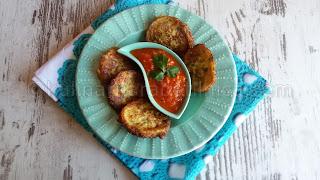 Кюфтета от тиквички с апетитен доматен сос