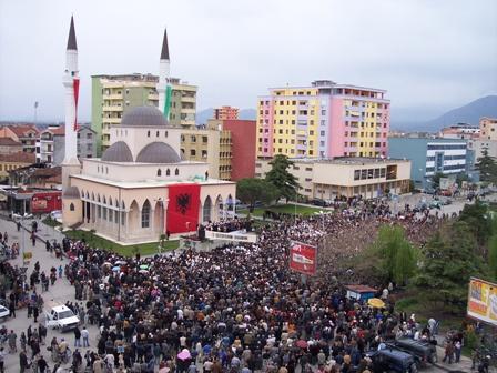 Δύο χιλιάδες Ιρανοί μουτζαχεντίν αναμένεται να εγκατασταθούν στα Τίρανα