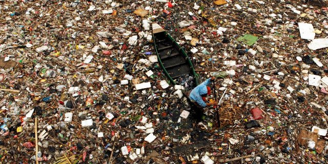 5-countries-dump-more-plastic-into-the-oceans-than-the-rest-of-the-world-combined