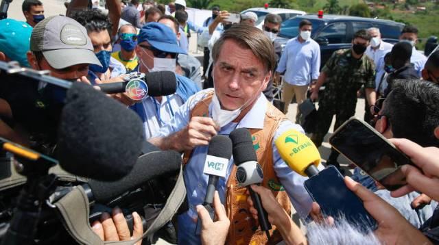 Bolsonaro chama repórter da TV Aratu de idiota na Bahia