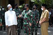 Kunjungi Magelang, Panglima TNI Ajak Santri Tetap Pakai Masker Serta Disiplin Prokes