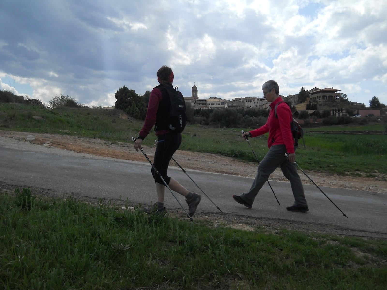 Nordic walking, marxa nòrdica als Ports.