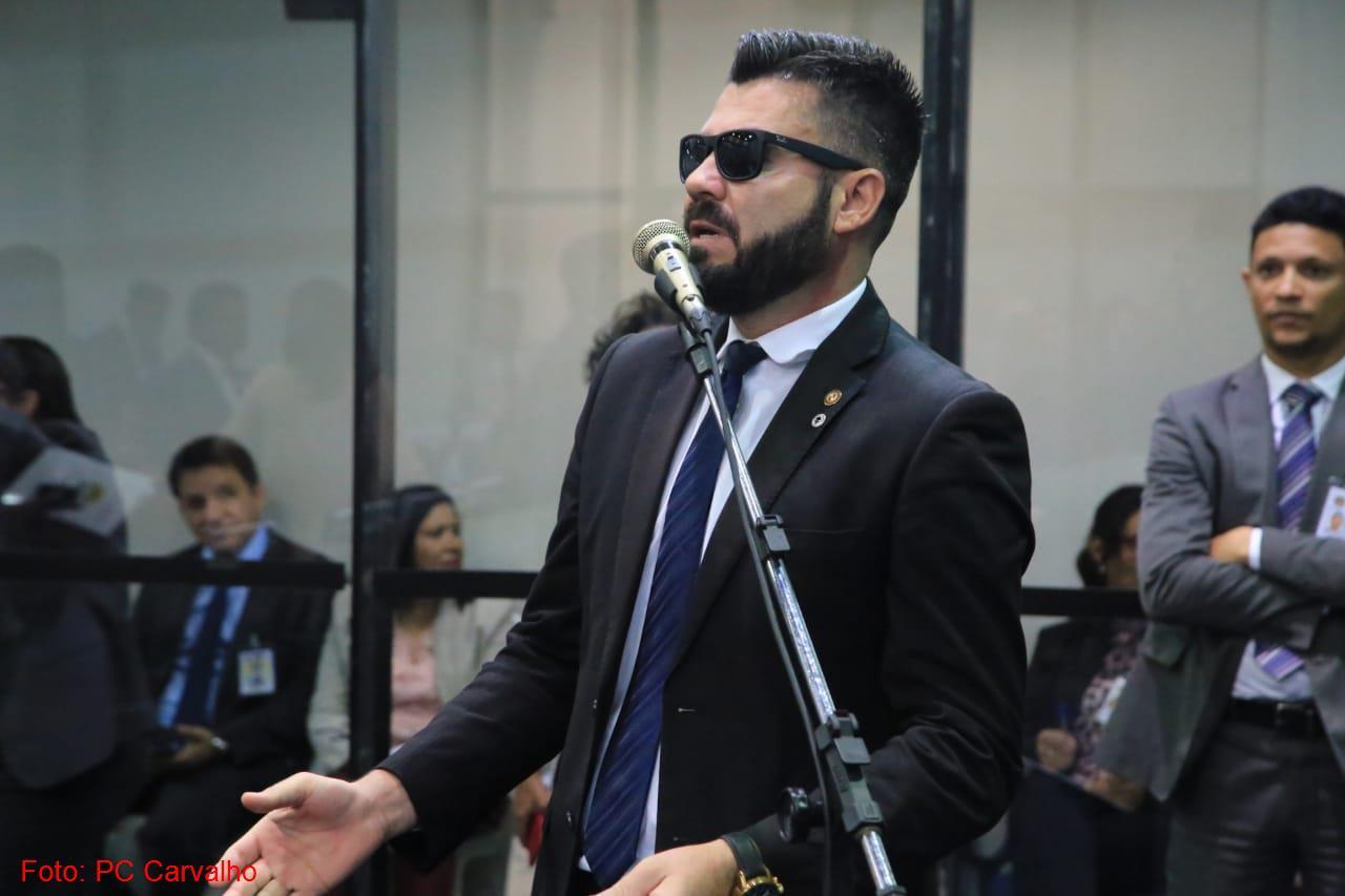 Deputado bolsonarista  protocola na Alepa pedido de impeachment de Helder