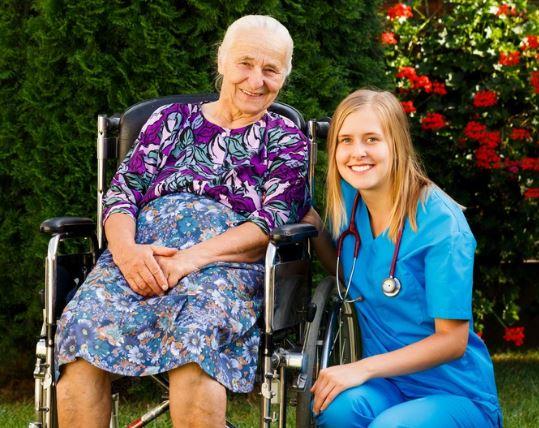 5 نصائح لحماية المسنين من فيروس كورونا