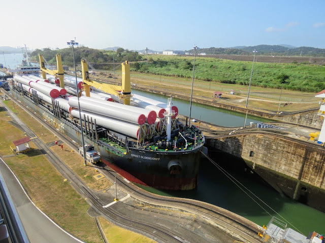 Panama City Layover: Ernst Oldendorff transiting the Panama Canal