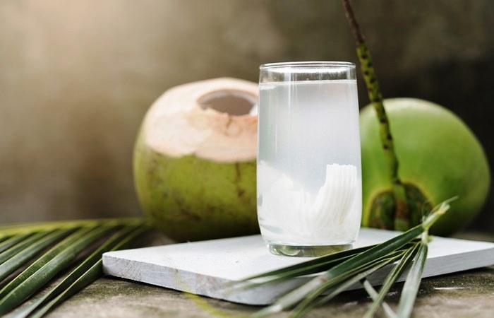 Manfaat Minum Air Kelapa Ketika Hamil