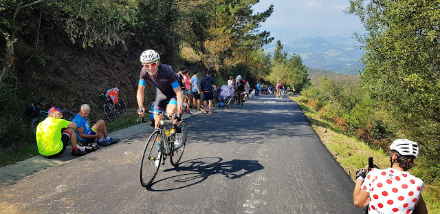 Cycling Country Bike Tours at La Vuelta on Race Day