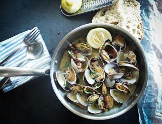 https://pixabay.com/es/photos/mariscos-peces-los-alimentos-vieira-1081974/