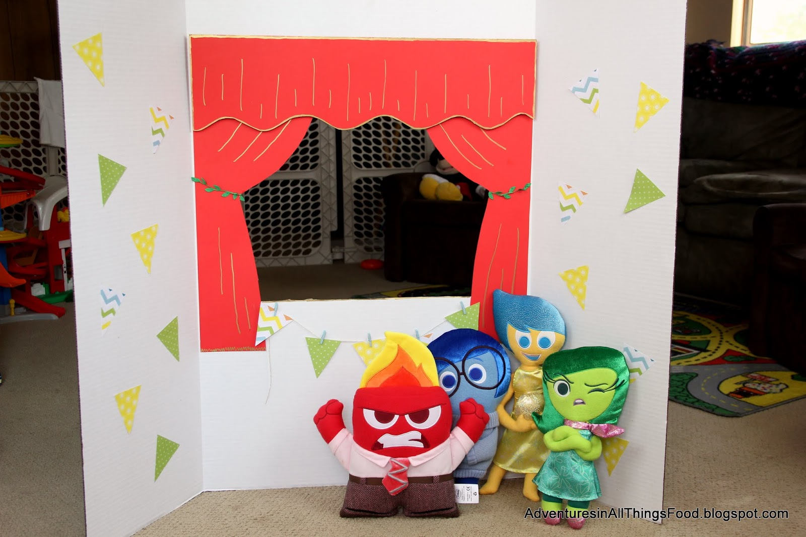 adventures in all things food: diy puppet theater - expressing