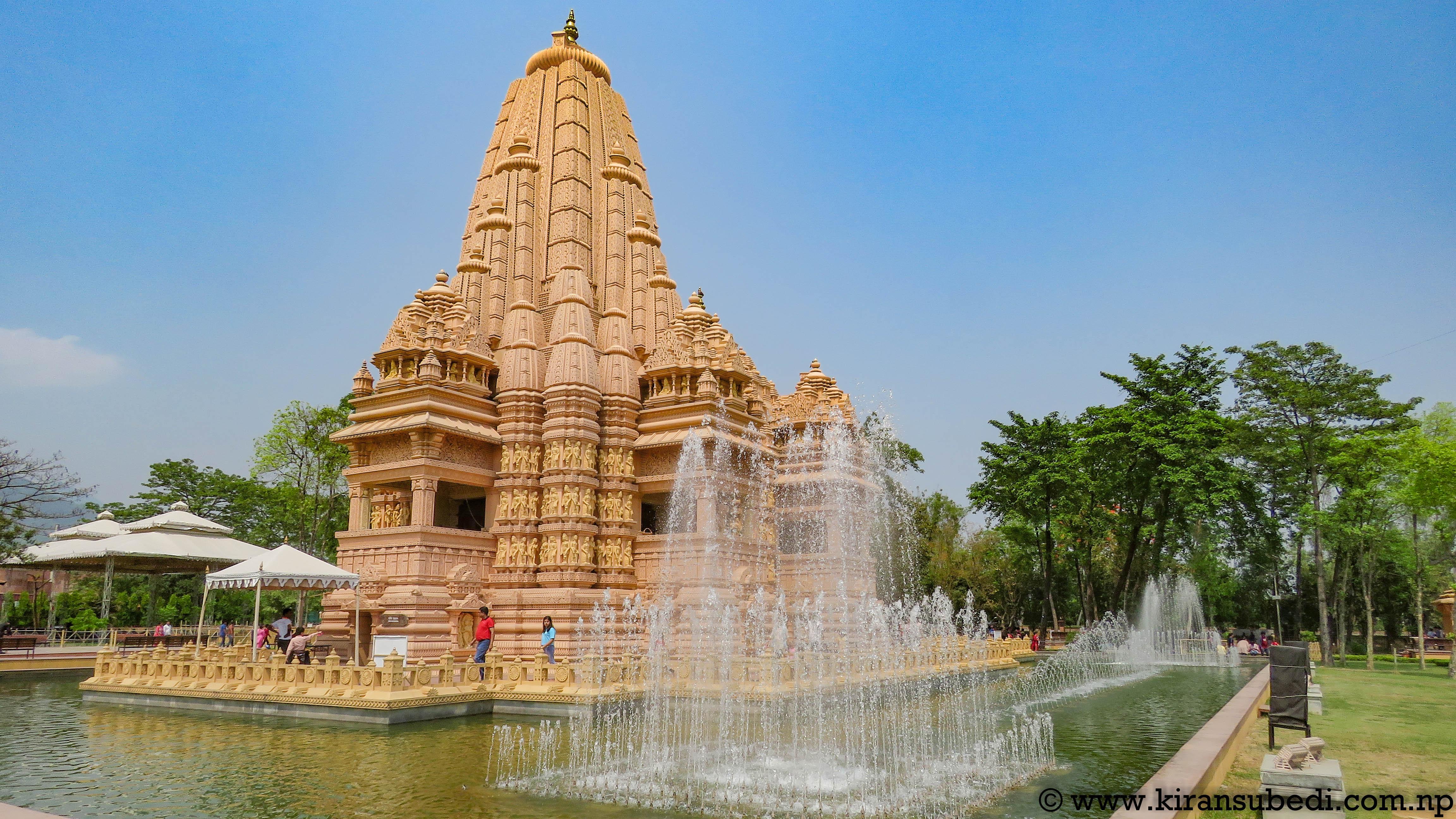 Ekambareshwar Shiva Temple with Water pond