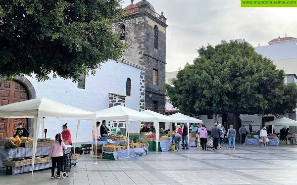 El Ayuntamiento de Los Llanos de Aridane mejora la imagen del Mercadillo del Agricultor