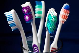 تفسيررؤية  فرشاة الاسنان في منام المتزوجة