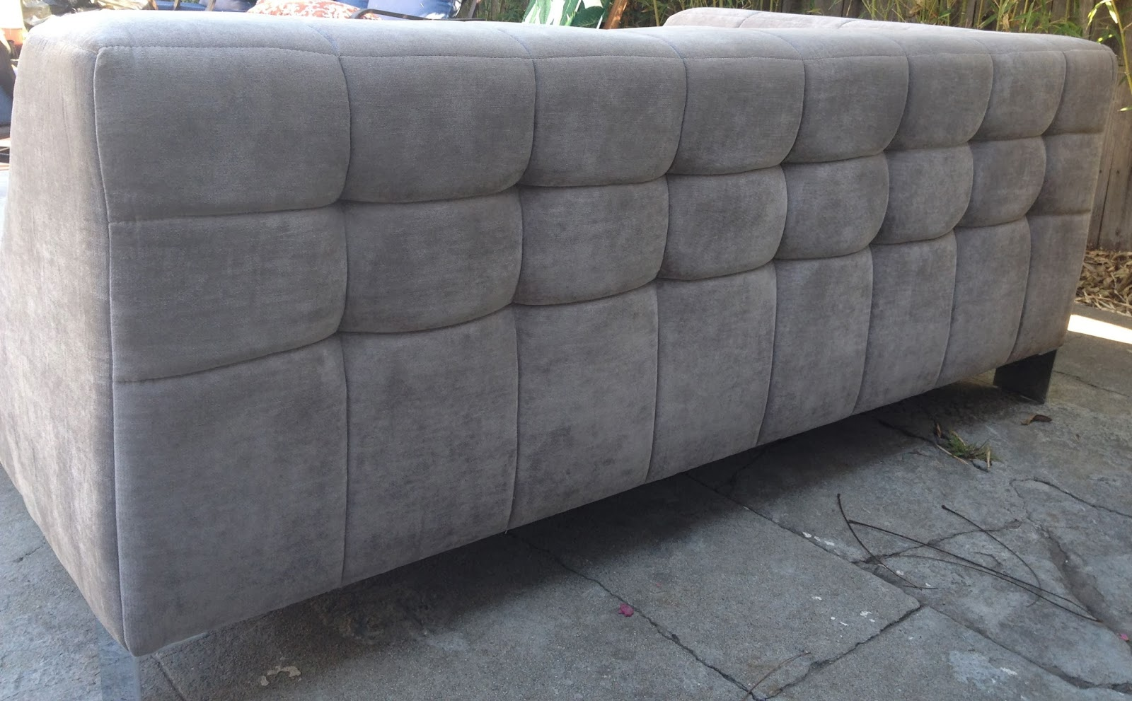 rosa beltran design amazing ligne roset style tufted chaise sofas for sale. Black Bedroom Furniture Sets. Home Design Ideas