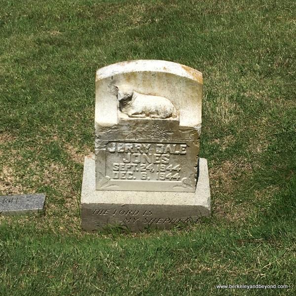 baby gravesite at Sunset View Cemetery in El Cerrito, California