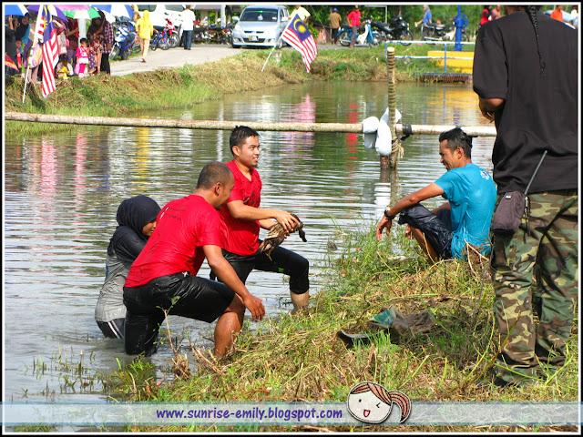 Crazy Traditional Games @ Homestay Sungai Chenaam, Penang