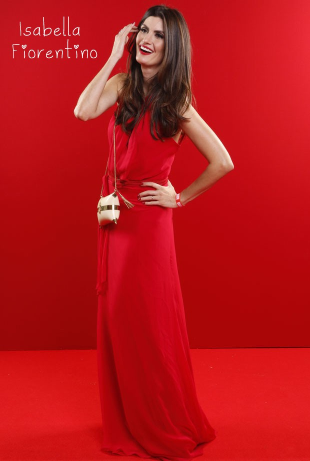 Invista na cor vermelha e inspire-se nos looks das celebridades