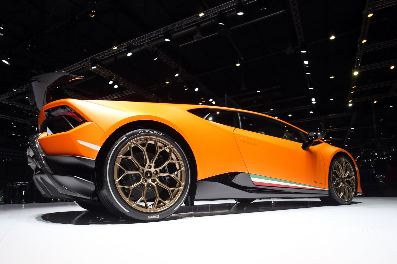lamborghini shows huracan performante telemetry data to confirm 39 ring time carscoops. Black Bedroom Furniture Sets. Home Design Ideas