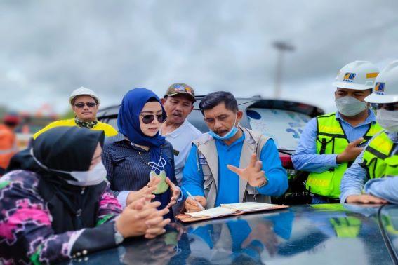 Abdul Rahim, Camat Satui Bersama Warga inspeksi, kelokasi settling pond Perusahaan Tambang Batubara