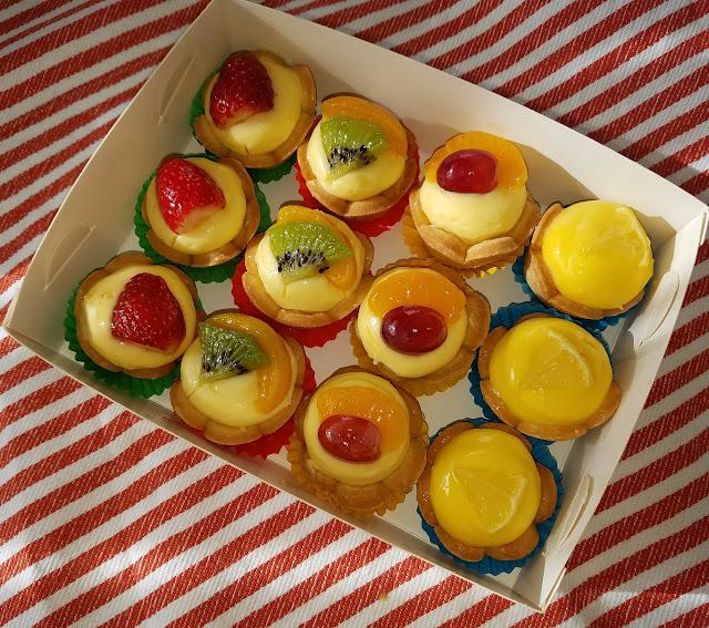 Muddings Bakery, Glen Waverley, petit fours