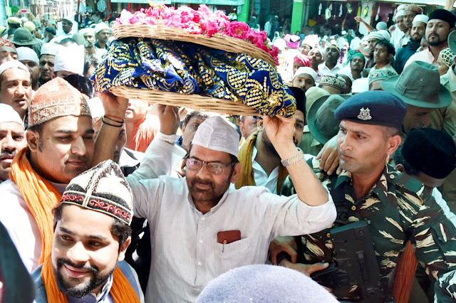 Ajmer, Rajasthan, Dargah Sharif, Ajmer Dargah, Ajmer Urs 2017, PM Narendra Modi, Mukhtar Abbas Naqvi