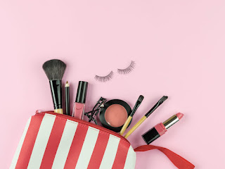 Rekomendasi Make Up Yang Wajib Untuk Pemula