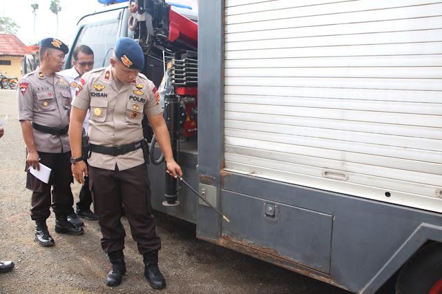 Danyon C Pelopor Brimob Bone Tiba-tiba Cek Personel dan Kendaraan Angkut