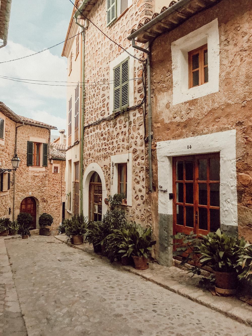 Sehenswerte Orte Mallorca Dörfer Städte Traveldiary Reisetipps Empfehlung Travelblog Bergdorf Biniaraix