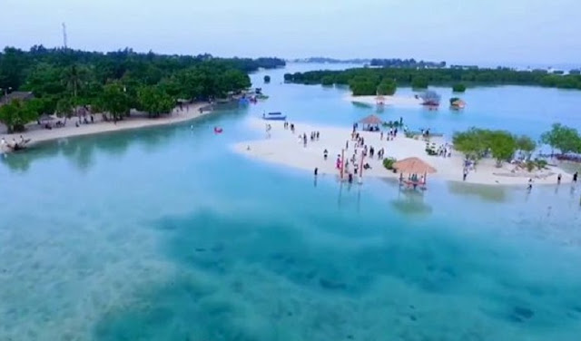 The Thousand Islands Tourist Information Is Located In The Bay Of Jakarta, Indonesia