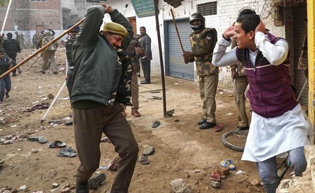 Muslim india dihukum karena meminta untuk menjadi orang India