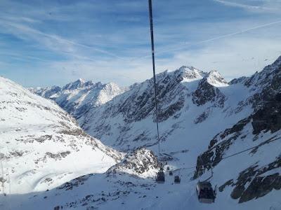 Stubai Glacier / Stubaier Gletscher ski lift