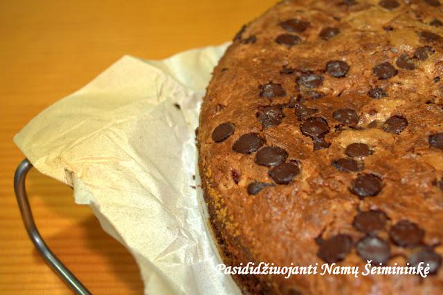 RECEPTAS: Suomiškas pyragas su mėlynėmis