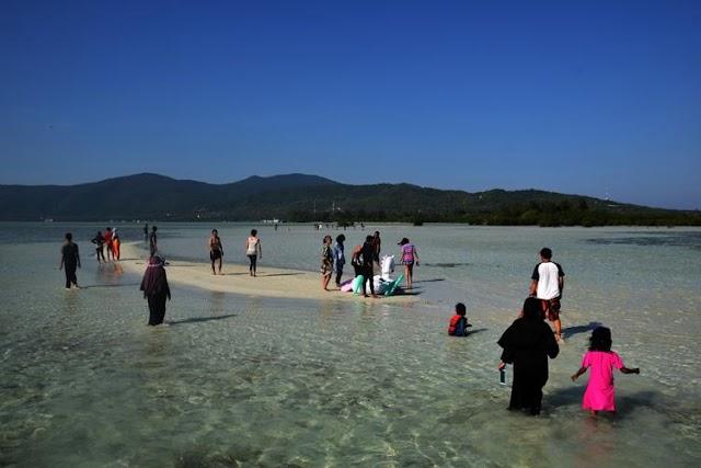 Enam Kabupaten di Jateng Tutup Destinasi Wisata, Makam Sunan Kudus, Makam Sunan Muria?