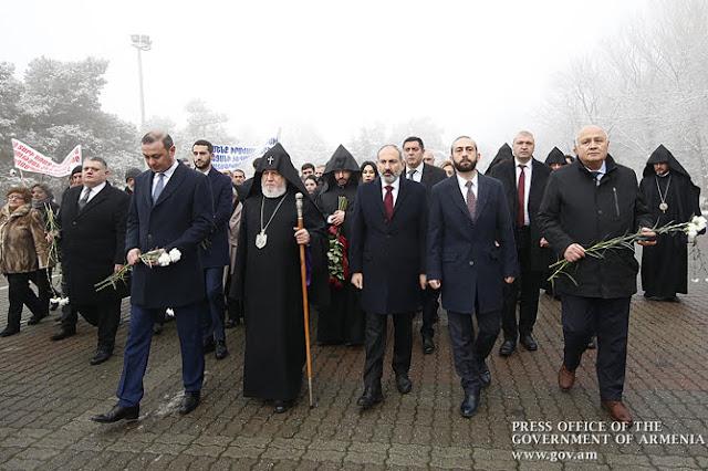 Armenia recuerda 30 años de pogromos en Bakú