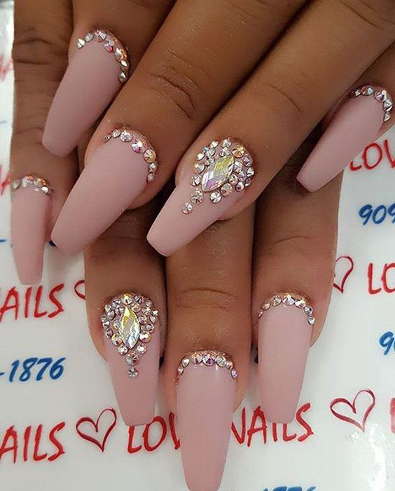 RHINESTONE NAIL ART IDEA