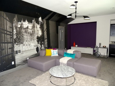 Your modern living room design would look awesome if you add feminine themes. unlike with the other style, feminine living room design allow you to bring sensual an exotic essence in your home