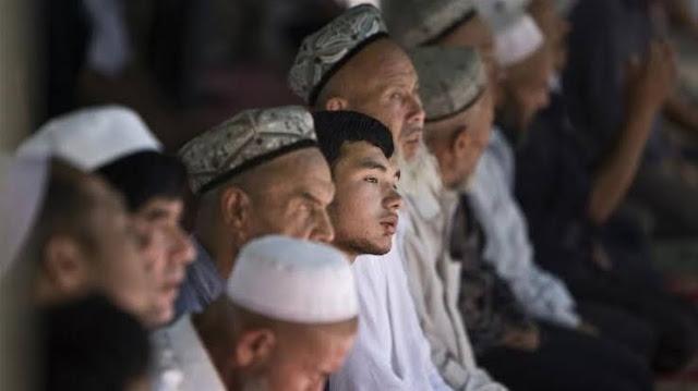 China Larang Muslim Uighur Salat di Masjid Kecuali yang Berusia 65 Tahun ke Atas