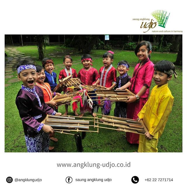 Percutian Melancong Tempat Menarik di Bandung Angklung udjo