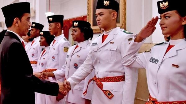Mantap Fuang! 5 Orang Batak, 2 dari Sumut,  Dikukuhkan Jokowi Sebagai Anggota Paskibraka