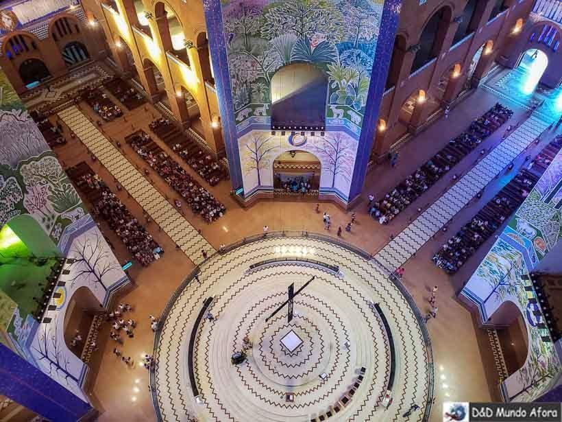Interior do santuário visto do alto da Cúpula - Santuário Nacional de Aparecida