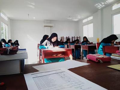 Suasana Ujian Semester di RIAB