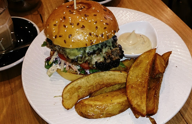 Son of Tucci, Mt Waverley, burger