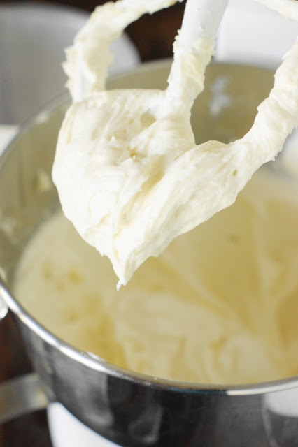 How to Make Cream Cheese Frosting ~ whip up a creamy-textured, perfectly not-too-sweet batch!  www.thekitchenismyplayground.com