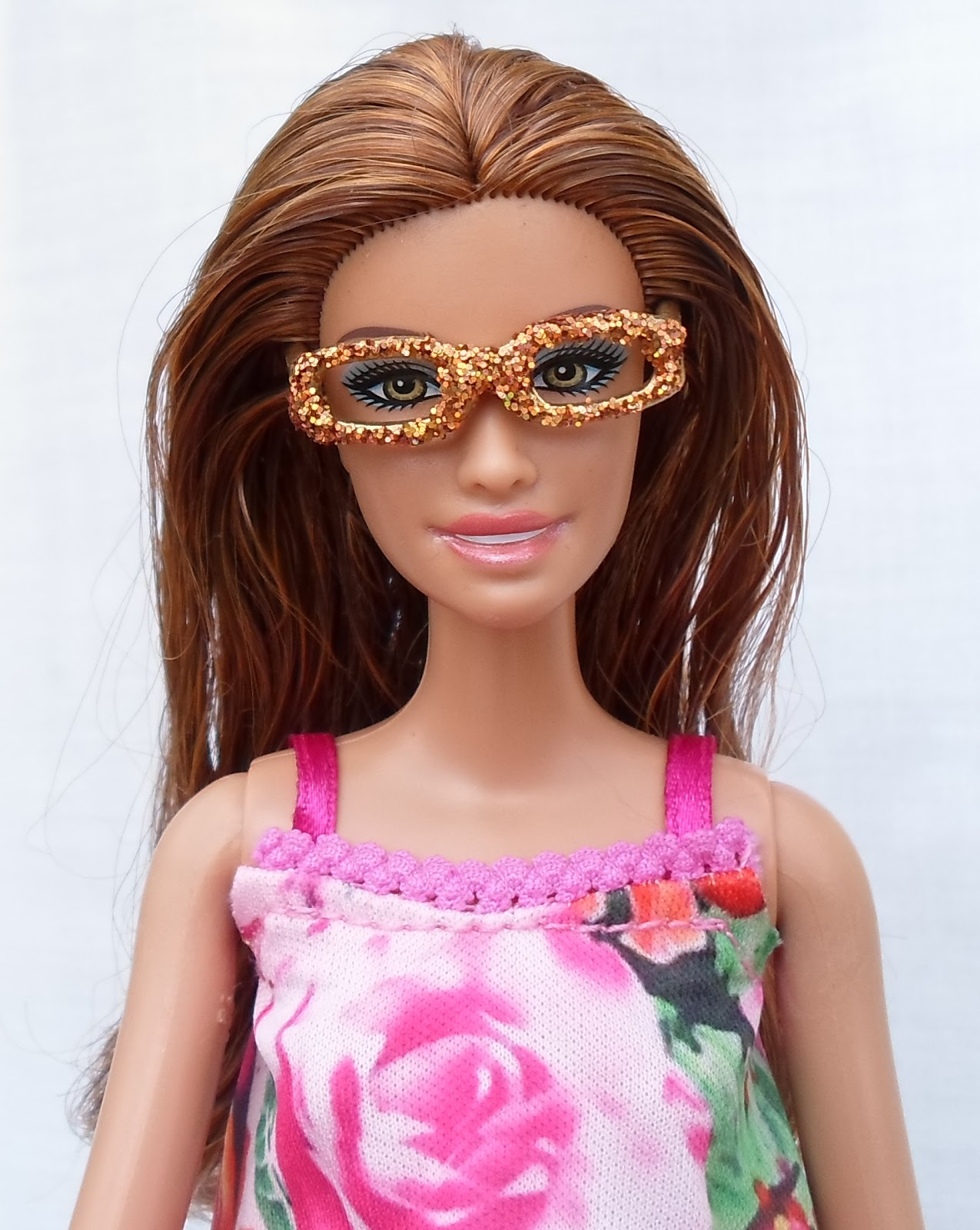 a5b3d84e3409 DIY Barbie Blog   Adding Glittery Bling to Barbie Glasses