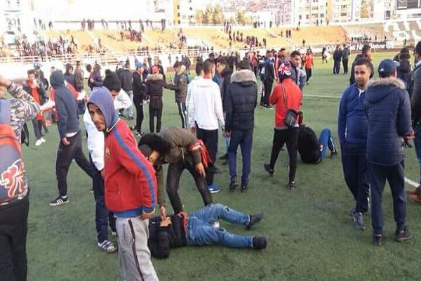 50مصاب بعد مقابلة شبيبة سكيكدة # أولمبي الشلف .. والمدرب سمير زاوي يكشف عن حظوظ فريقه