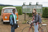 Peyton Kennedy and Jahi Di'Allo Winston in Everything Sucks