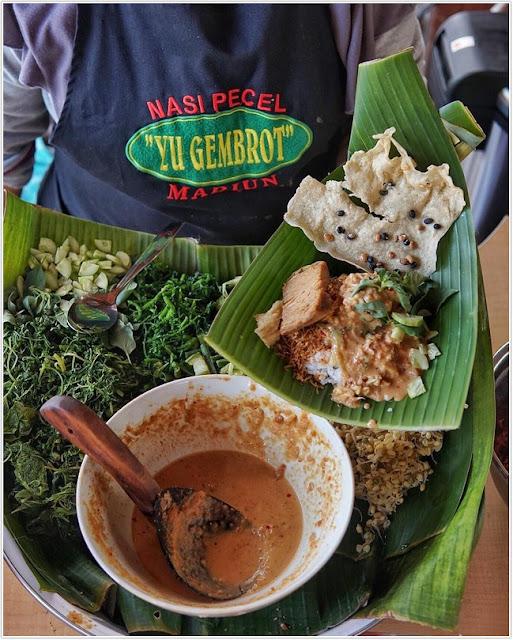 Nasi Pecel Yu Gembrot;10 Top Kuliner Madiun;