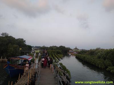 Jembatan cinta tarumajaya bekasi